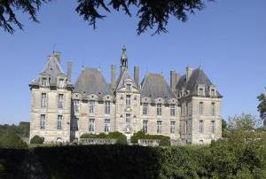 chateau-de-saint-loup-sur.jpg